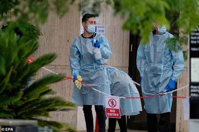 وقالت وزارة الصحة الفيكتورية إن فرق الصحة العامة تحقق في الحالة الجديدة ويتم إخطار المخالطين عن قرب