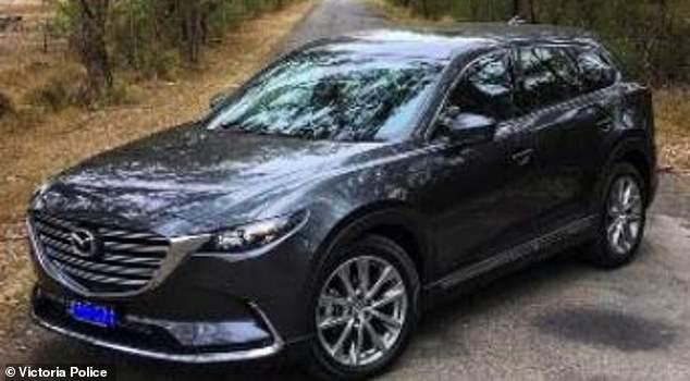 تبحث الشرطة عن سيارة Mazda CX9 2008 سوداء مع تسجيل WKE 850
