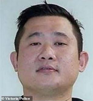 ألقت الشرطة القبض على تان في الساعة 6.15 مساءً يوم الأربعاء بينما كان يحاول مغادرة الولاية