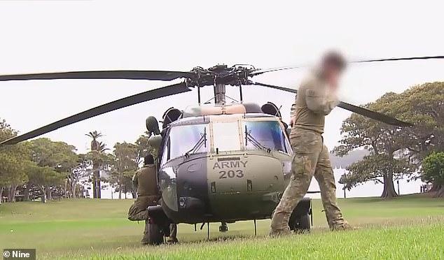 قال شاهد على التمرين إن تسعة أفراد من المروحيتين أمضوا عدة ساعات في الرفع داخل وخارج السفينة السياحية.