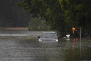 """""""بسبب الأنهار"""".. استمرار إجلاء السكان من نيو ساوث ويلز رغم تحسن الأحوال الجوية"""