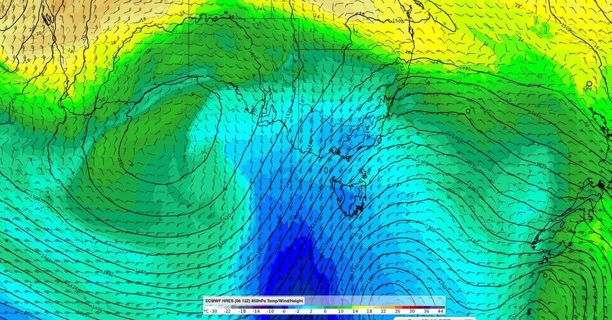 عواصف رعدية تضرب سيدني..وأجواء باردة في طريقها إلى الولايات الجنوبية