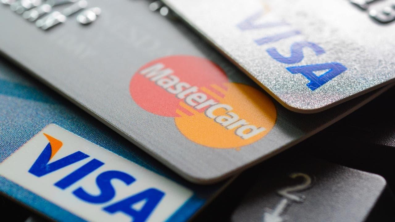 ثلث سكان أستراليا يعتقدون أنهم سيظلون غارقين في الديون إلى الأبد