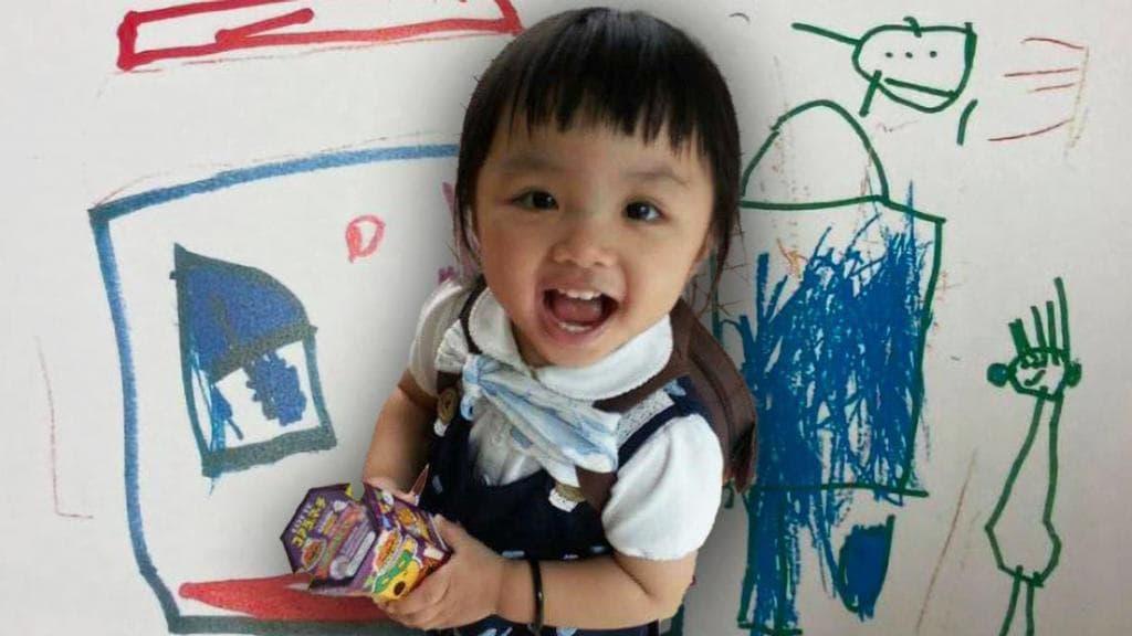 لوحة رسمتها طفلة على جدران صفها..تكشف جريمة قتلها على يد والديها