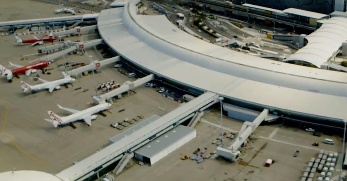 عن طريق الخطأ..السماح لمسافر مصاب بكورونا بالتجول في المنطقة الخضراء في مطار بريسبان