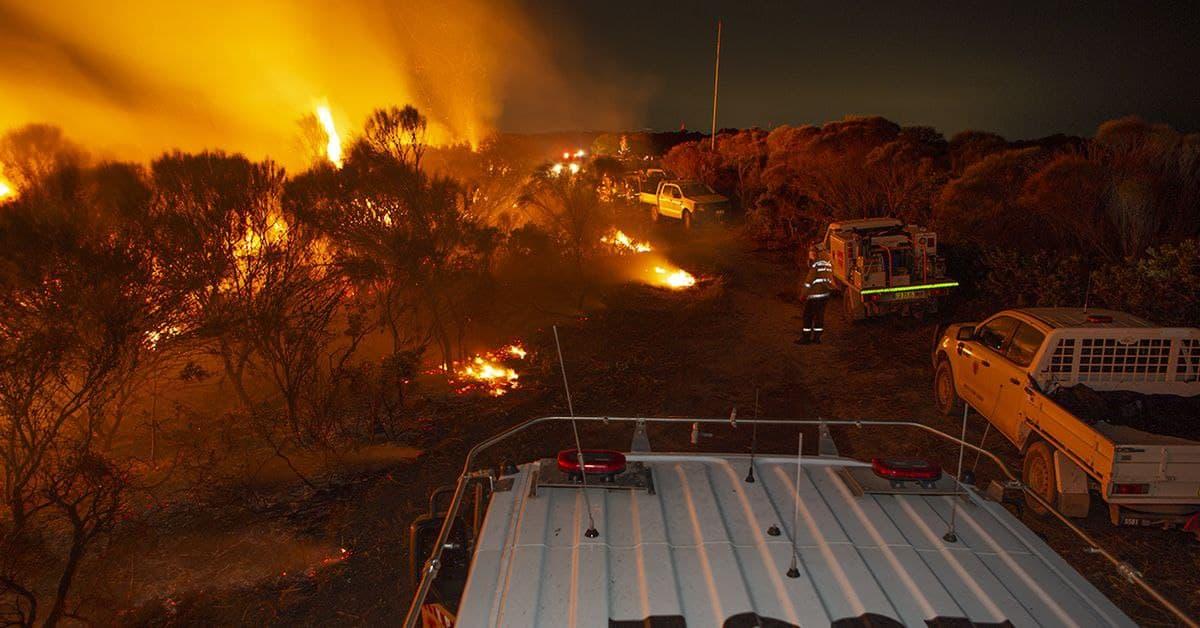 الوقت ينفد أمام رجال الإطفاء لإطفاء الحرائق المنتشرة في سيدني