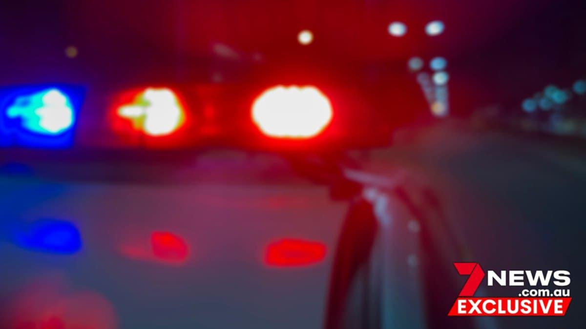 """""""يوم مرعب""""..مسلحون ينتحلون صفة الشرطة لسحب سائقة من سيارتها في سيدني"""