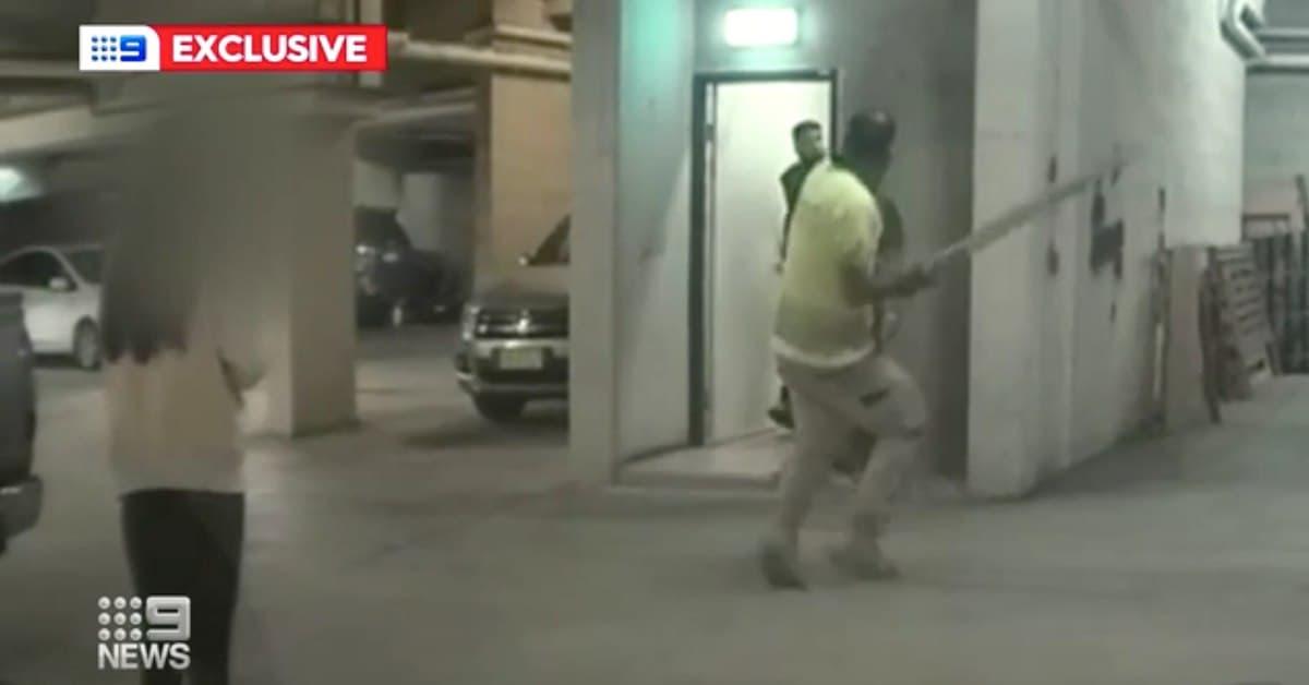 تغريم رجل بـ10 آلاف دولار لضربه جاره في المبنى ضرباً مبرحاً دون أي سبب في سيدني