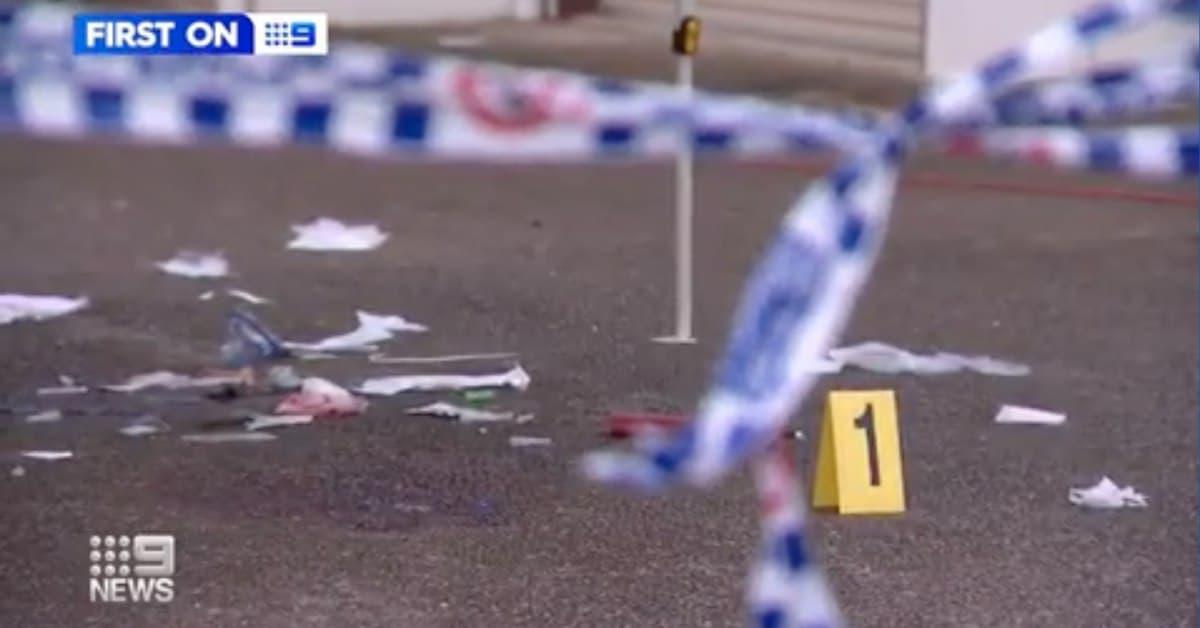 """""""مثير للاشمئزاز"""": سكان بريسبان يطالبون بتنظيف مسرح جريمة قتل مزدوجة تركته الشرطة منذ أسابيع"""