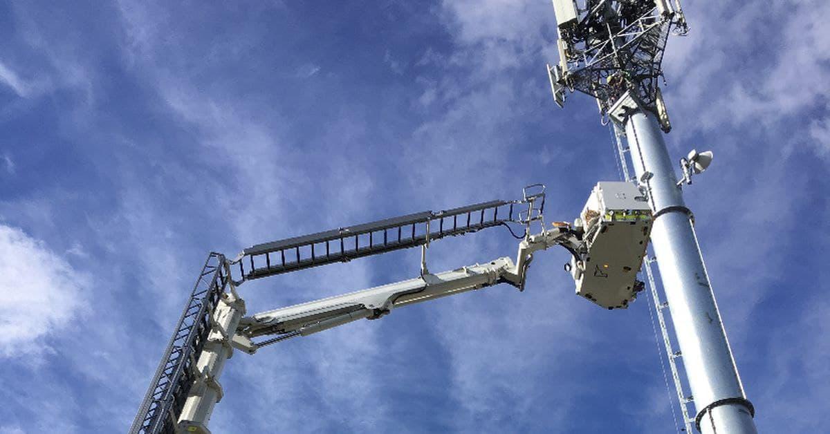 إنقاذ عامل تعرض لحادثة طبية وهو على ارتفاع أكثر من 40 متراً في سيدني